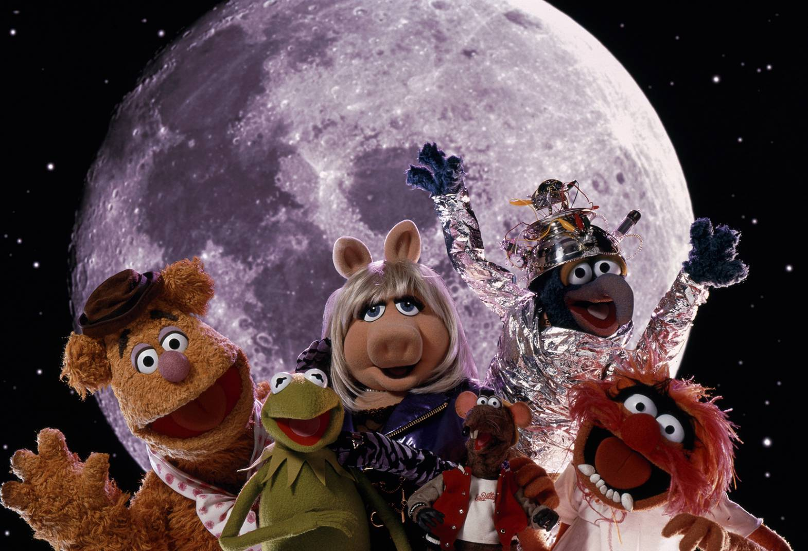 Family Calendar 2015 : Beat the heat muppets from space athena cinema